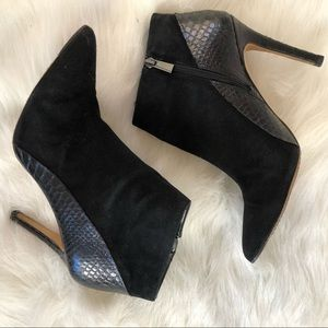 Vince Camuto Shoes - Vince Camuto suede snake skin ankle boots 9